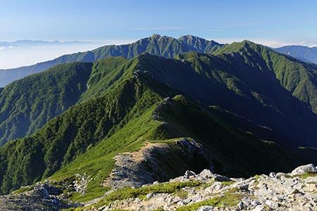 空木岳、南駒ヶ岳方面の眺め